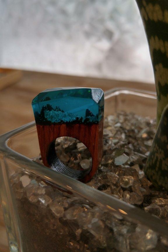 δαχτυλίδι-ξύλινο-υγρό-γυαλί