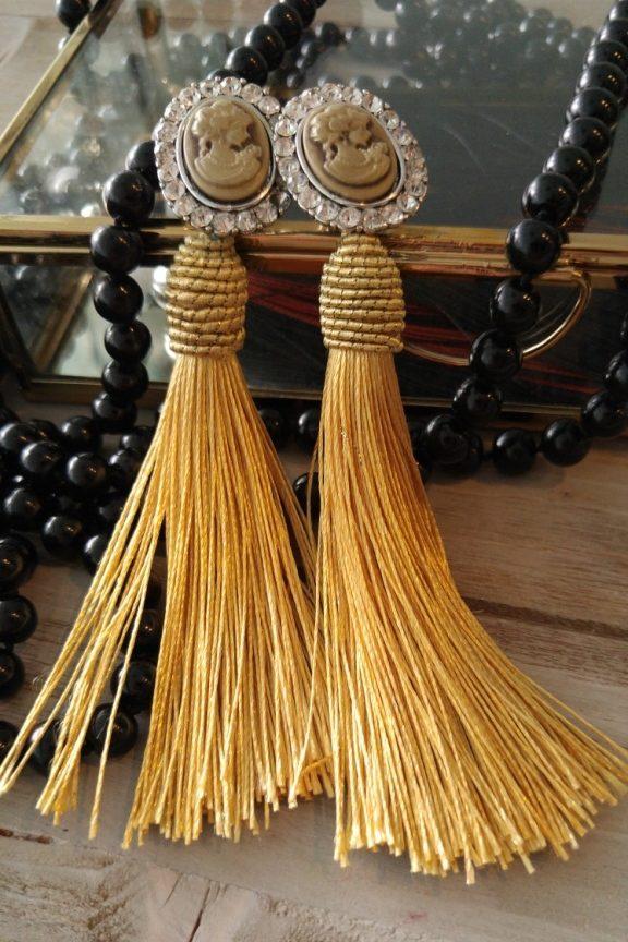 Σκουλαρίκια-φούντες-χρυσό