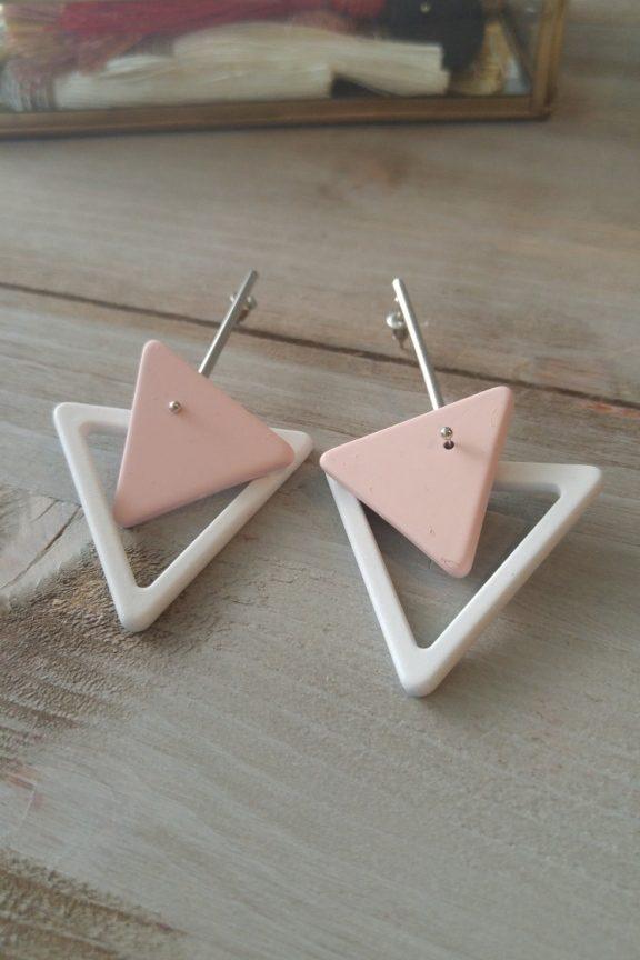 σκουλαρίκια-τρίγωνα-λευκό-ροζ