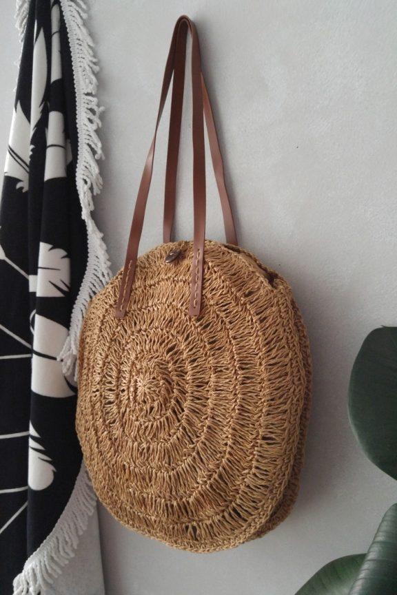 ψάθινη-τσάντα-στρογγυλή-μπεζ