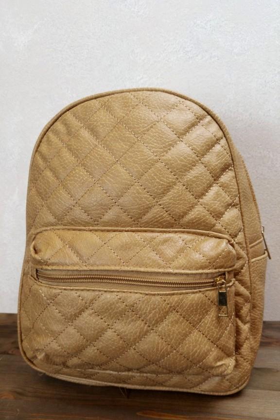 τσάντα-πλάτης-καπιτονέ-μπεζ