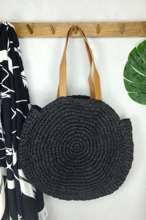 ψάθινη-τσάντα-στρογγυλή-μαύρη