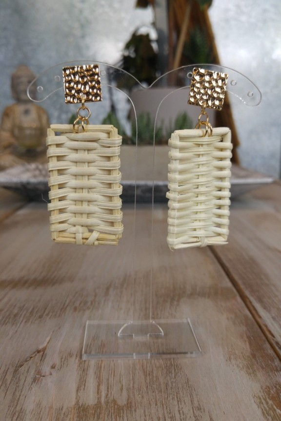 σκουλαρίκια-ράταν-τετράγωνα
