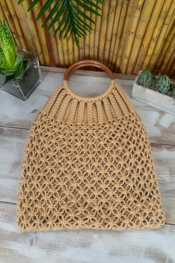 πλεκτή-τσάντα-μπεζ-ξύλινη-λαβή