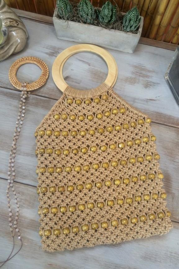 τσάντα-πλεκτή-χάντρες-ξύλινες
