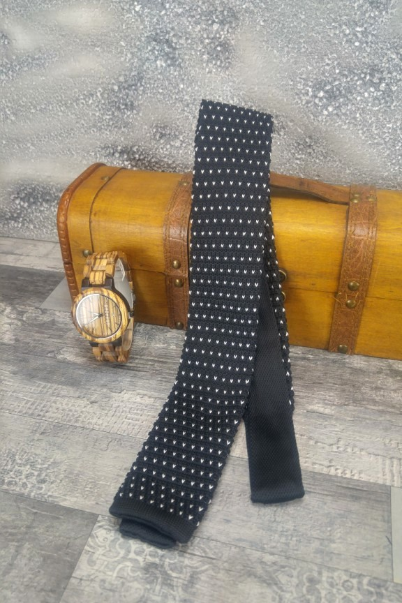 πλεκτή-γραβάτα-πουά-μαύρη