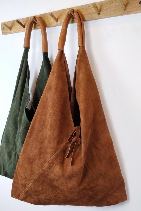 τσάντα-γυναικεία-δερμάτινη-καστόρι-hobo-καφέ