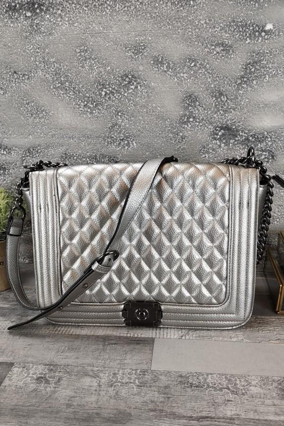 τσάντα-καπιτονέ-μεταλιζέ-ασημί