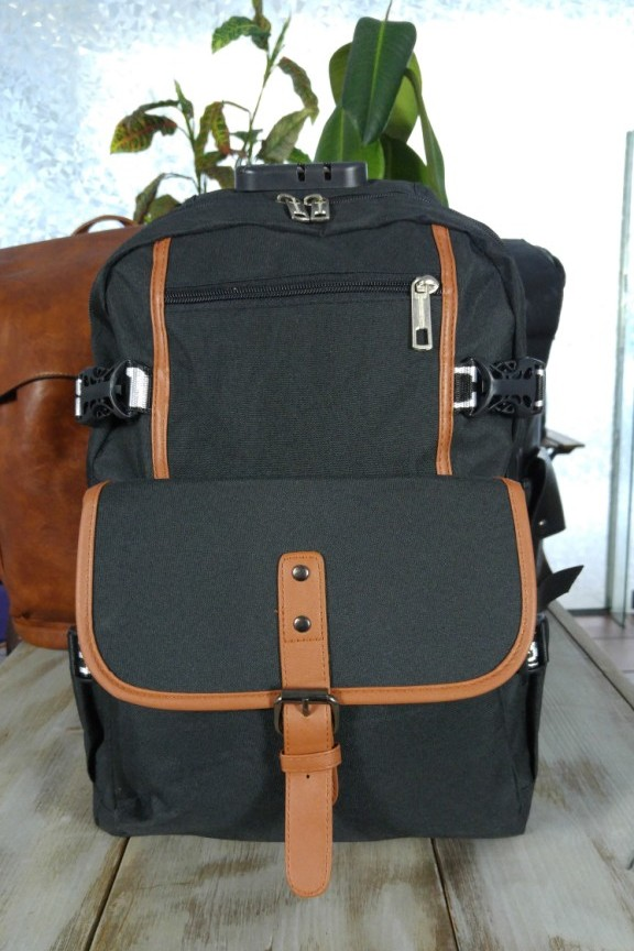 τσάντα-πλάτης-μαύρη-laptop