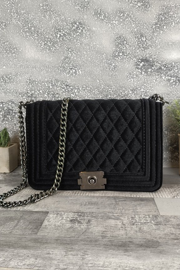 τσάντα-βελούδο-καπιτονέ-μαύρη