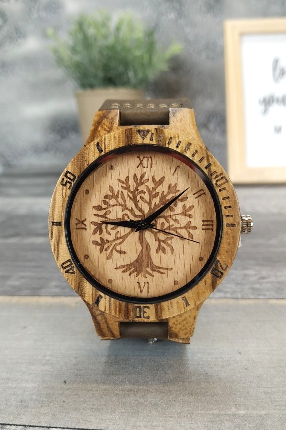 ξύλινο-ρολόι-χειρός-καφέ-λουράκι-δέντρο