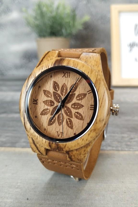 ξύλινο-ρολόι-φύλλα-μπεζ
