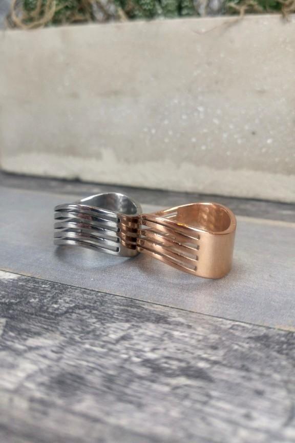 δαχτυλίδι-γυναικείο-ατσάλι-κυματιστό-ροζ-χρυσό