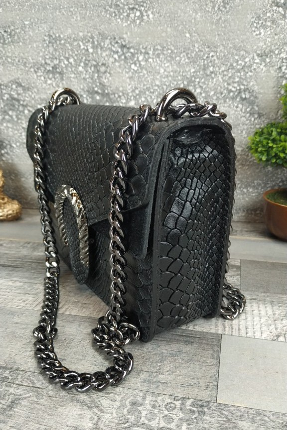 δερμάτινη-τσάντα-κροκό-μαύρη-αλυσίδα
