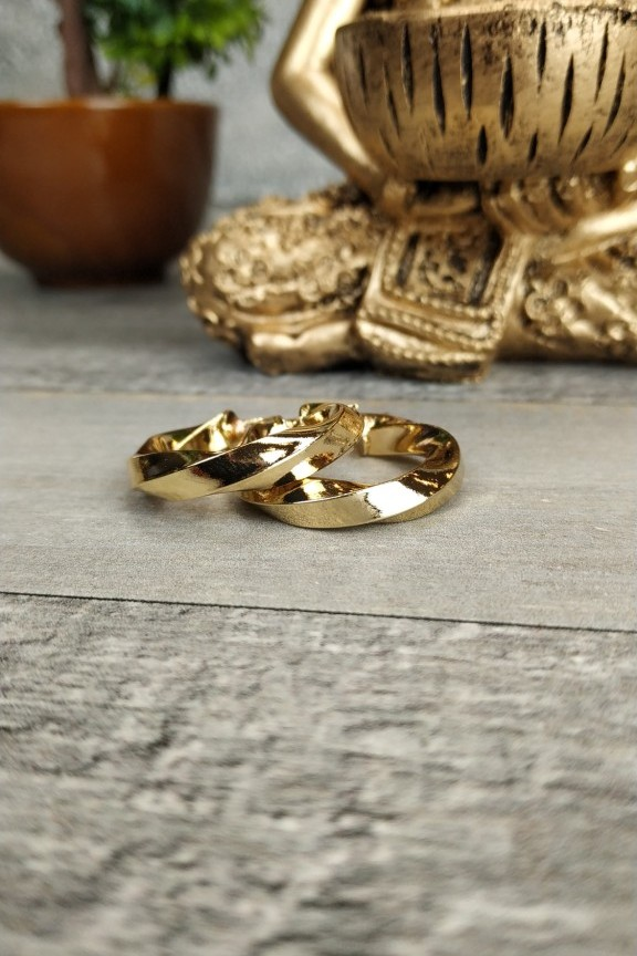σκουλαρίκια-κρίκοι-στριφτοί-χρυσό