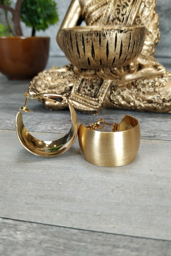 σκουλαρίκια-κρίκοι-χρυσό-ματ