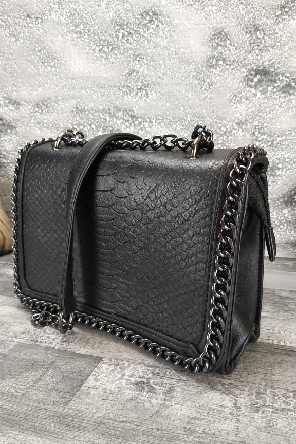 γυναικεία-τσάντα-κροκό-αλυσίδα-μαύρη