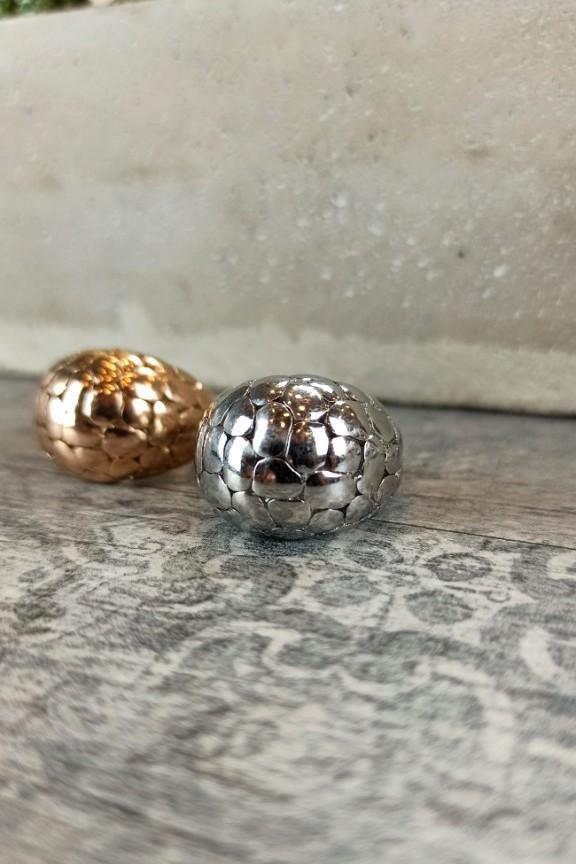 δαχτυλίδι-ατσάλι-ανάγλυφο-ασημί