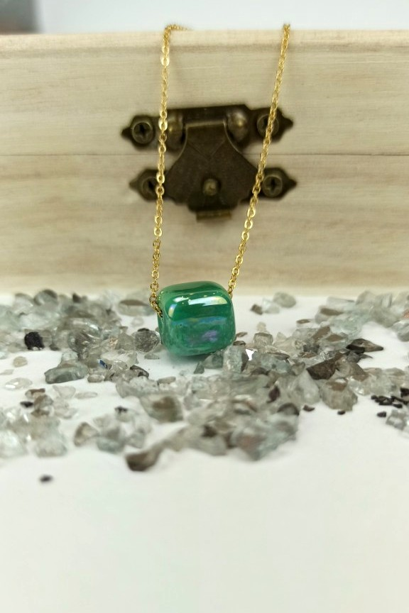κολιέ-ατσάλι-πέτρα-βεραμάν