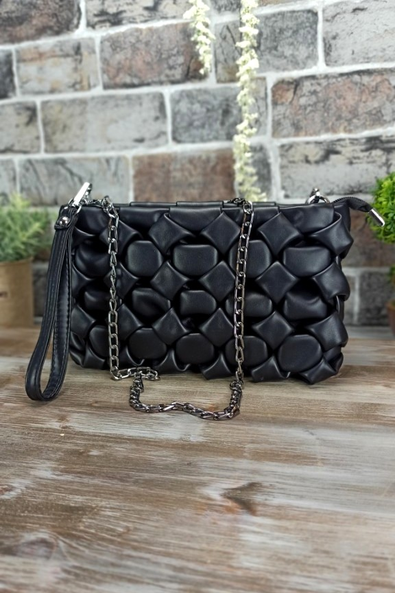 τσάντα-πλεκτή-φουσκωτή-μαύρη