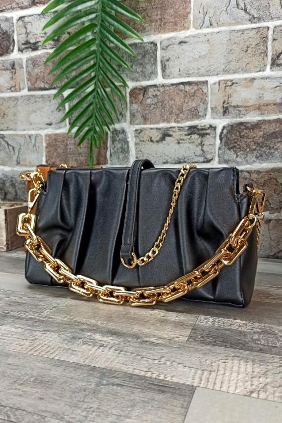τσάντα-πλισέ-χρυσή-αλυσίδα-μαύρη
