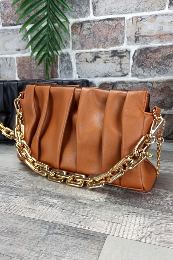 τσάντα-πλισέ-χρυσή-αλυσίδα