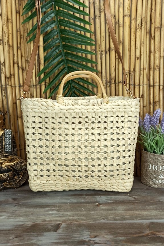 ψάθινη-τσάντα-με-ξύλινη-λαβή-εκρού