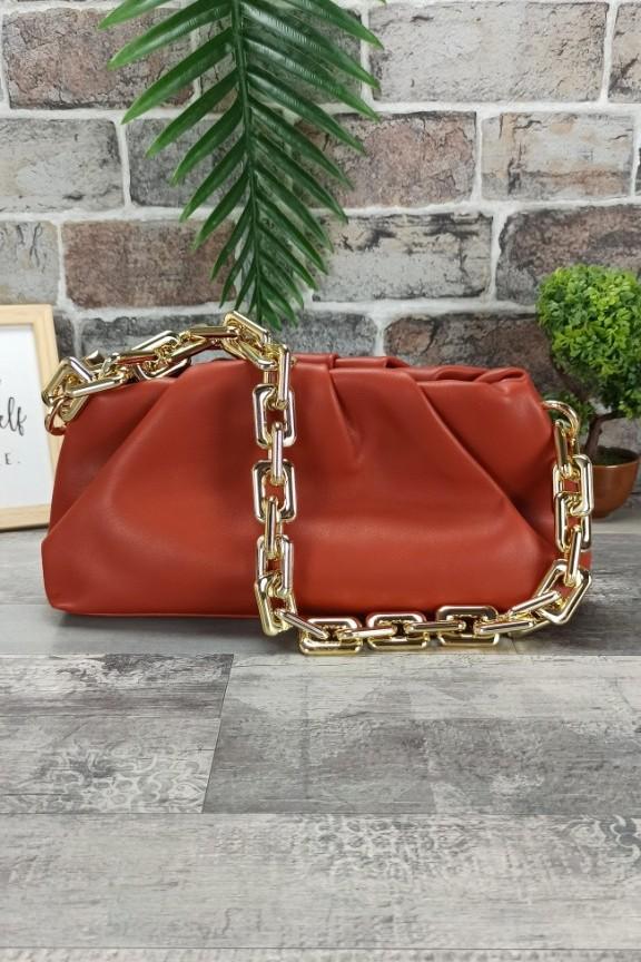 τσάντα-χρυσή-αλυσίδα-κεραμιδί