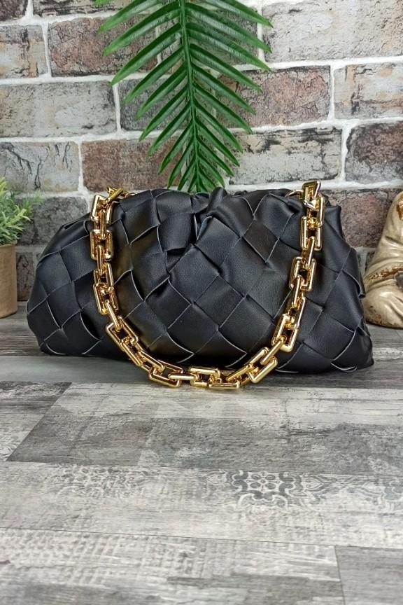 τσάντα-baguette-πλεκτή-αλυσίδα-μαύρη